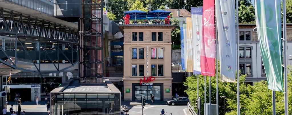 bars et commerces gays font vivre le quartier à la